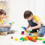 Juegos para niños: Cómo desarrollar sus habilidades analíticas usando una baraja de cartas